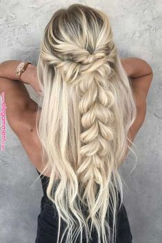 for the promo promo 2018 for long hair - Frisuren 2019 - Cheveux Femme Cute Braided Hairstyles, Easy Summer Hairstyles, Easy Hairstyles For School, Girl Hairstyles, Popular Hairstyles, Amazing Hairstyles, Prom Hairstyles With Braids, Prom Hair With Braid, Prom Hairstyles Half Up Half Down
