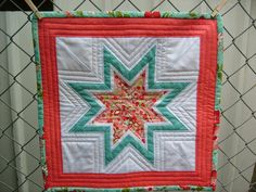 JulieLou : Paper Piecing Paper Piecing, Quilts, Blanket, Stars, How To Make, Paper Scraps, Quilt Sets, Sterne, Blankets