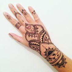 Massilia Henna: Henna #11