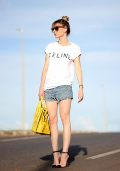 Just in love for this jeans shorts :)