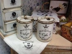 Decoupage Jars, Decoupage Wood, Decoupage Vintage, Vintage Tins, Shabby Vintage, French Vintage, Dyi Crafts, Arts And Crafts, Painted Bedroom Furniture