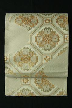 White and gold fukuro obi / 白地 金銀の蜀江文様 全通袋帯   #Kimono #Japan  http://www.rakuten.co.jp/aiyama/