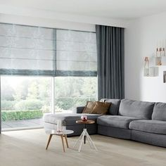9 Discover Cool Tips: Wooden Blinds And Curtains grey blinds floors.Blinds And Curtains Burlap bedroom blinds and curtains.Wooden Blinds And Curtains. Living Room Blinds, House Blinds, Living Room Decor, Home Curtains, Curtains With Blinds, Black Curtains, Grey Blinds, Fabric Blinds, Rideaux Design