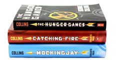 The Hunger Games Trilogy (The Hunger Games, Catching Fire, Mockingjay) - Suzanne Collins I Love Books, Great Books, New Books, Books To Read, Amazing Books, The Hunger Games, Hunger Games Trilogy, Saga, Suzanne Collins