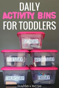 Daily Activity Bins for Toddlers - Little Learning Club Daily Busy Bins to keep toddlers occupied every day of the week. Includes activities that promote fine motor skills. Great for babies 1 year old and toddlers! Activities For 1 Year Olds, Toddler Learning Activities, Daily Activities, Infant Activities, Educational Activities, Preschool Activities, 1 Year Old Games, Activities For Babies Under One, Toddler Activity Bags