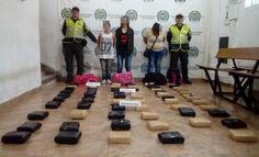 68 kilos de marihuana fueron incautados en vias de risaralda - Categoria: Actualidad  ND: La droga estaba destinada para la ciudad de MedellAn. 68 kilogramos de marihuana fueron capturados por nuestras unidades de la policAa, momento en el que tres mujeres que viajaban como pasajeros de un automAvil que se buscA. el servicio pAblico de autobuses. En el sector del kilAmetro 16 vAa Dosquebradas ChinchinA jurisdicciAn del municipio de Santa Rosa de Cabal, el policAa asignado para el trAfico y…