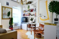 Akhira's Eclectic Modern Mini Brooklyn Studio