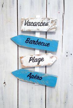 Panneau de direction personnalisable avec flèches en bois de palette : Décorations murales par littlepaletteatelier
