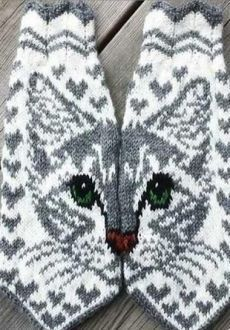 Knitting Socks Cat Yarns Ideas For 2019 Double Knitting Patterns, Knitted Mittens Pattern, Fair Isle Knitting Patterns, Knitted Cat, Knit Mittens, Knitting Charts, Knitting Socks, Free Knitting, Baby Knitting