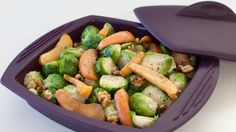 Add to stuffing & classic holiday roasts. Season root veggies & poultry before baking. Healthy Side Dishes, Side Dishes Easy, Side Dish Recipes, Steam Chicken Recipe, Chicken Recipes, Cooking Dishes, Food Dishes, Steam Vegetables Recipes, Epicure Steamer