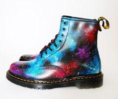 De 100+ beste afbeeldingen van Custom Dr. Martens Galaxy