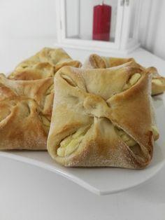 Bild Austrian Recipes, Ciabatta, Apple Pie, Cravings, Bakery, Food Porn, Brunch, Food And Drink, Sweets