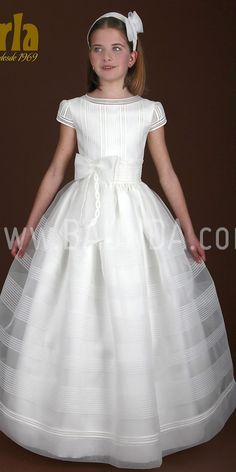 communion dress 2015 Marla Communion dress made in italian silk (organza). It has a buttoned back. The belt makes a big bow at the back. Girls Baptism Dress, Girls First Communion Dresses, Holy Communion Dresses, Little Girl Dresses, Girls Dresses, Flower Girl Dresses, Kids Gown, Silk Organza, Lovely Dresses