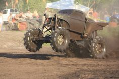 Trucks Gone Wild - Ohio Mud Fest June 1-3 at Brushy Fork in Newark, Ohio. What a beast!!