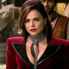 The best Evil Queen Ouat, Once Upon A Time, Regina Mills, Evil Queen Costume, Snow White Prince, The Queen Is Dead, Fantasias Halloween, Queen Outfit, Evil Queens