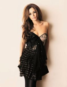 cheryl cole in glamour flirty hairstyle Cheryl Cole Style, Cheryl Ann Tweedy, Cheryl Fernandez Versini, Girls Aloud, Curvy Bikini, Hot Bikini, Lingerie, Hottest Photos, Most Beautiful Women