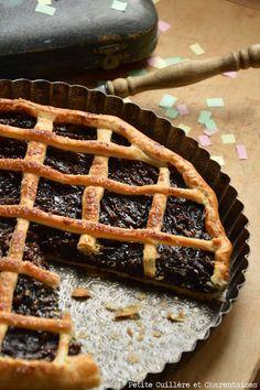 Tarte de Carnaval // #pruneaux #tarte #carnaval Raisin Sec, Dessert Recipes, Desserts, Flan, Limousin, Mardi Gras, Tarte Fine, Tour, Carnival