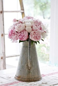 Fresh Flowers - clean and crisp look