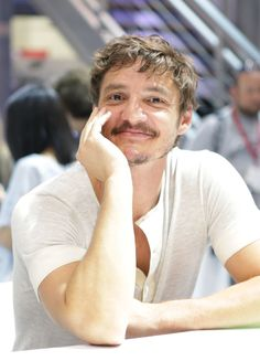 Pedro Pascal at SDCC 2014. omg if he smiled at me like this my BP would burst an artery
