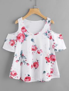 Blusas mujer de moda 2018 summer floral print t-shirts women cold shoulder loose casual Teen Fashion Outfits, Outfits For Teens, Fashion Dresses, Cute Outfits, Style Fashion, Fashion Design, Trendy Tops, Cute Tops, Casual Tops