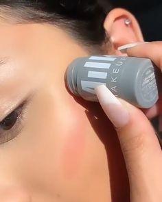 Flawless Skin Makeup, Creative Makeup Looks, Makeup Tutorial For Beginners, Beauty Makeup Tips, Highlighter Makeup, Cute Makeup, Aesthetic Makeup, Makeup Routine, All Things Beauty