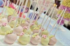 Juno's Naming Day & Pou's 3rd Birthday // Photography by Eva Kourou // Cake pops made by Rena Oikonomou // Dessert Table