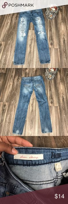 Decree Distressed jeans ✨ Size: 9 - great condition ! ✨ super skinny . _____ 🎉🎉🎉I'm WELCOME to OFFERS on anything in my closet🎉 (no low ballers and please be reasonable) #Posh takes $2.95 per sale or 20%..... 🖊please keep that in mind Decree Jeans Skinny