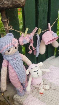 "Sara Creations - crocheted toys "" bunny family "" collection - jucarii crosetate - colectia "" bunny family "" Crocheted Toys, Bunny Toys, Christmas Ornaments, Holiday Decor, Cute, Blog, Collection, Home Decor, Embroidery"