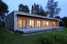 Moderner Bungalow in Holztafelbau