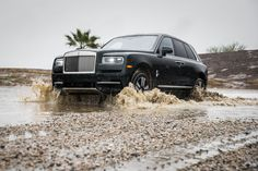 VIDEO: Can a Rolls Royce Cullinan actually go off road? Rolls Royce Suv, Rolls Royce Black, Classic Cars British, Best Classic Cars, Rolls Royse, Vintage Rolls Royce, Rolls Royce Cullinan, 4k Wallpaper For Mobile, Best Muscle Cars