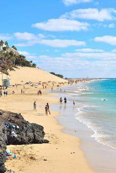 Eindeloze dagen op eindeloze stranden.. Aan de kust van Corralejo zul je je ogen uitkijken!❤ Acht dagen op Fuerteventura en je voelt je herboren! https://ticketspy.nl/deals/fuerteventura-is-prachtig-ontdek-het-8-dagen-va-e309/