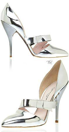 Oscar de la Renta   Fall 2015, Silver Bow Pump  | shoes 1