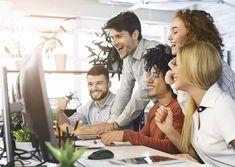 Start-up : pourquoi confier votre site internet à un pro ? - DigiTechnologie Family Office, Business Angel, Start Ups, Mince, Couple Photos, Watch Over Me, Grammar Rules, Site Design, Advertising Agency