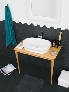 THE.ARTCERAM, Mood consolle and Pop washbasin. Design Meneghello Paolelli Associati.