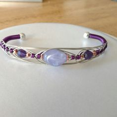 Womens wire bracelet purple opal therapeutic copper Jewelry Bracelet Indian metaphysical jewelry custom - Diy Jewelry To Sell Sea Glass Jewelry, Copper Jewelry, Wire Jewelry, Beaded Jewelry, Jewelry Bracelets, Jewellery, Jewelry Stand, Diy Schmuck, Schmuck Design