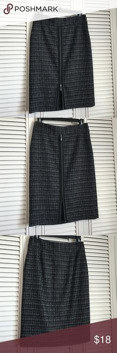 """Classiques Entier Skirt Like new wool/nylon/acrylic/silk/spandex 1%, poly lined, front zip down detail/7"""" open pencil skirt. 22"""" long Classiques entier Skirts Pencil"""