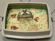 Looking for the grossest, most awesome cake for cat lovers? (Or cat haters, depending on how mean you are) The Litter Box Cake! Here is how to make one.