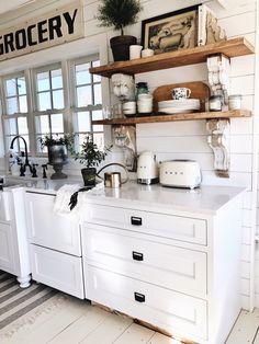 Shabby chic kitchen cabinets - Cottage Style Kitchen Shelves To Paint or Stain ! Cozinha Shabby Chic, Estilo Shabby Chic, Living Room Kitchen, New Kitchen, Farm Kitchen Ideas, Living Rooms, Awesome Kitchen, Kitchen Paint, Cheap Kitchen