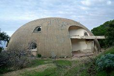 Il nostro è un progetto autofinanziato. Sostieni Sardegna Abbandonata con una piccola donazione La Cupola, uno strano angolo di Paradiso, realizzato dal vulcanico architetto Dante Bini ein passato...