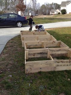 Cheap, doable pallet raised beds! Plus, love the site- looking forward to exploring further!