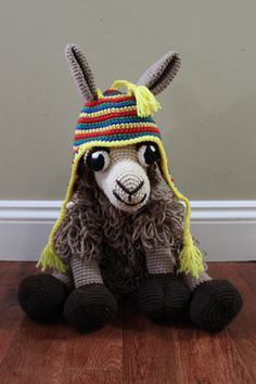 Crocheted Llama...HAVE to make this!!!