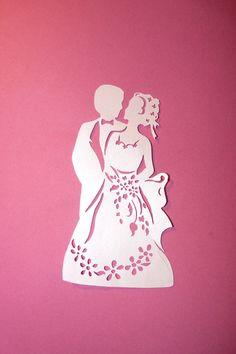 Découpe couple de marié en papier irisé : Loisirs créatifs, scrapbooking par scrap-so