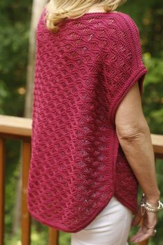 Seafoam Poncho pattern by Linda Wolthuis Ravelry: Seafoam Poncho Model Linda Wolthuis Source by . Poncho Knitting Patterns, Knitted Poncho, Knit Patterns, Dk Weight Yarn, Yarn Colors, Wool Yarn, Crochet Clothes, Crochet Dresses, Knitting Projects