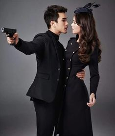 Thai Princess, Ladies Gents, Thai Drama, Sweet Couple, Drama Movies, Celebrity Couples, Traditional Dresses, Cute Couples, The Crown