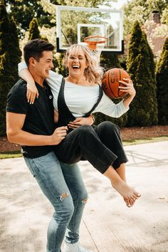 Laney Rene and Clayton Pickens :) Basketball Couple Pictures, Basketball Couples, Sports Couples, Cute Couples, Basketball Court, Basketball Relationship Goals, Relationship Goals Pictures, Cute Relationship Goals, Cute Relationships