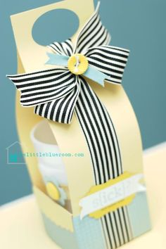 Cute Cup/Mug Carrier {Tutorial} - #packaging #wrapping