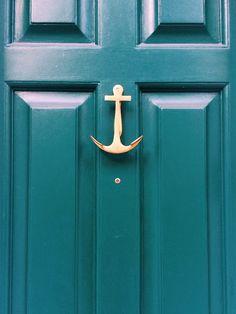 New Front Door Knobs Ideas Knock Knock Ideas Knobs And Knockers, Door Knobs, Door Handles, Green Front Doors, Front Door Colors, Coastal Living, Coastal Decor, Coastal Cottage, Humble Abode
