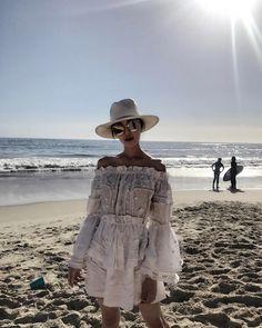 "18.8 k mentions J'aime, 196 commentaires - Chriselle Lim  임소정 (@chrisellelim) sur Instagram: ""Catch me outside....by the beachhhhhhh  #theshopfactor"""