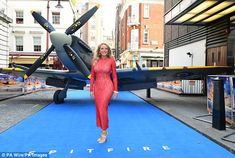 Historic: Carol was hosting the premiere of the RAF-focused film, in which the last surviving combat veterans tell the history the Spitfire fighter plane through first hand accounts Carol Vorderman Pictures, Red Lace Gown, Bollywood, Supermarine Spitfire, Sexy Older Women, Beautiful Celebrities, Beautiful Women, Skin Tight, Celebs