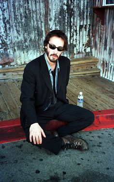 WHY DO WE LOVE KEANU? Because he's so chill. (chicfoo) keanu